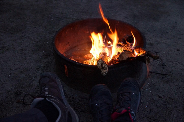 On envisage de déplacer le feu dans la tente...