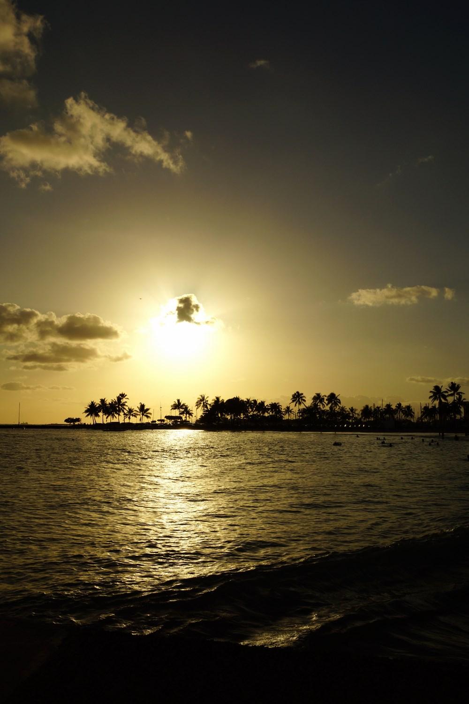Un coucher de soleil les pieds dans l'eau...