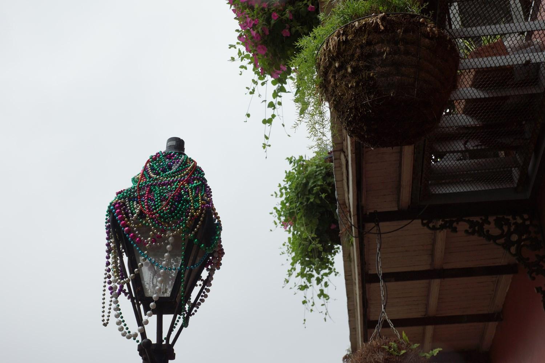 Même plusieurs mois après le défilé, les colliers sont de partout !