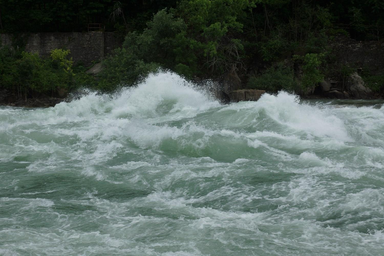L'eau est un peu agitée par ici...