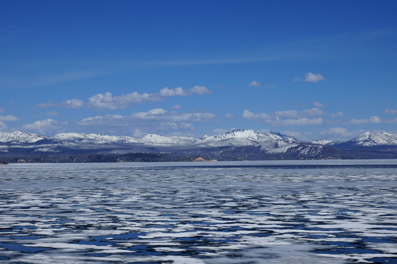 Il y avait encore énormément de glace sur le lac